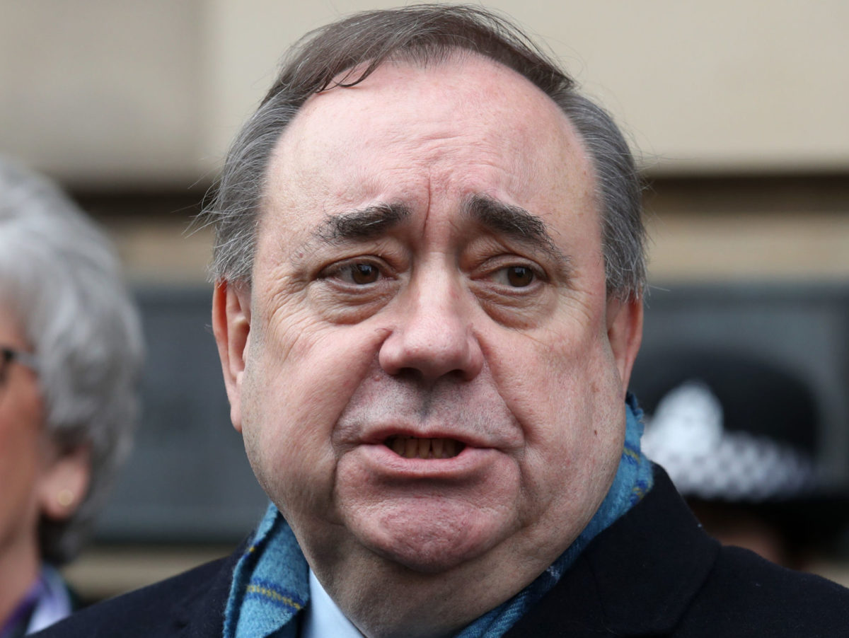 Blogger took care not to identify women in Alex Salmond trial, court told