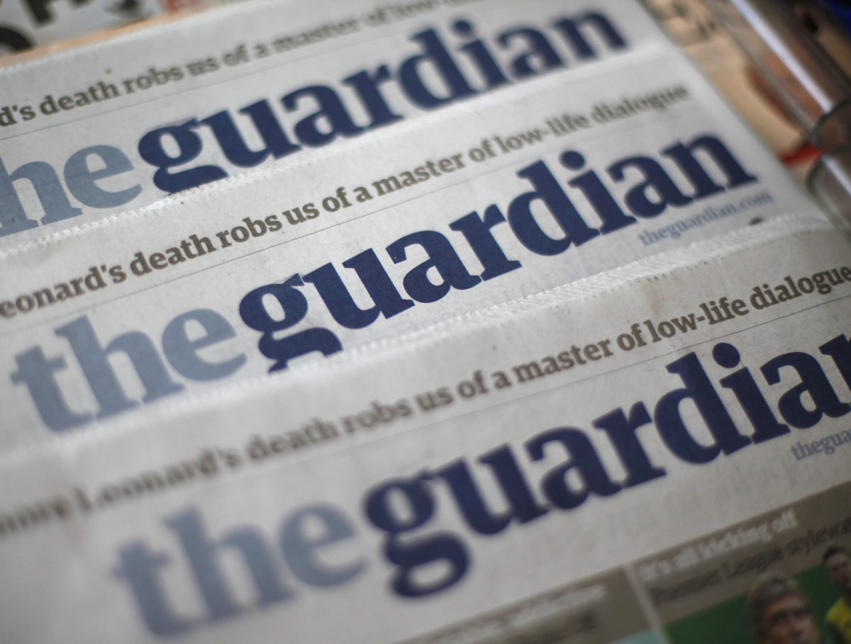Guardian says money from readers has overtaken advertising as it boasts 500,000 paying supporters