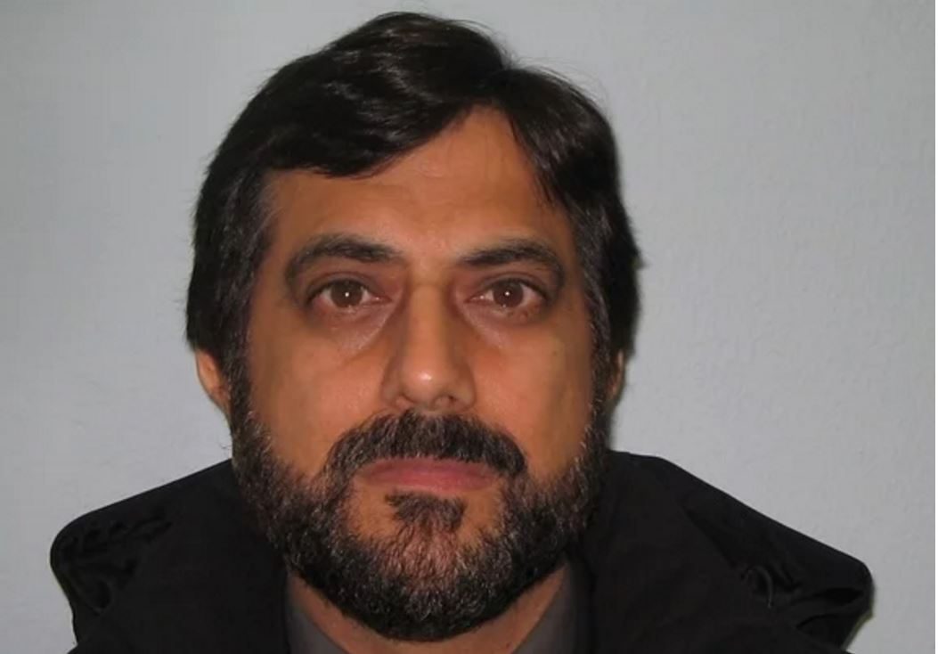 Mazher Mahmood's cover is blown as custody picture released and his image widely used by media