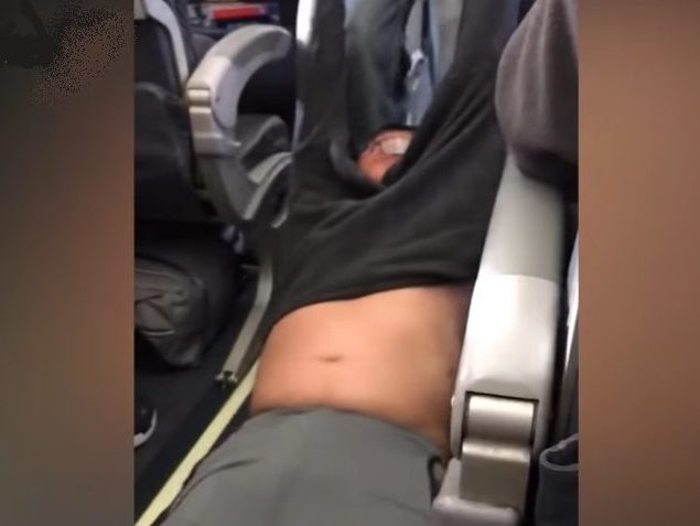 Debunkers debunked? Mail Online stands by investigation into past of United Airlines passenger David Dao