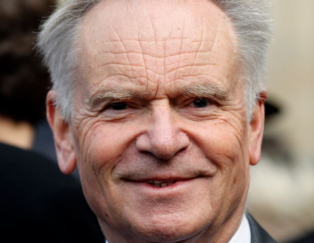 Jeffrey Archer, Kevin Keegan and Patsy Kensit among 44 to agree Mirror phone-hacking payouts
