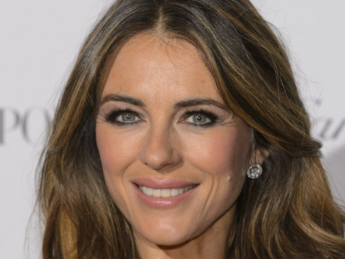 Elizabeth Hurley wins phone-hacking payout from Mirror and gives 'substantial sum' to Hacked Off