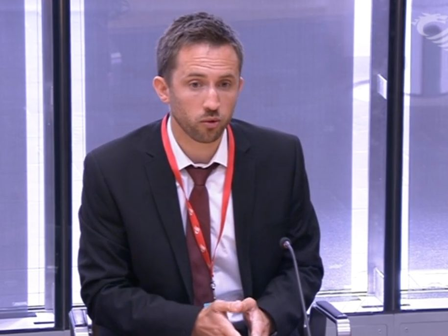 Wales Online editor: Gap between print and digital revenue is shrinking, free BBC website means paywall is not viable