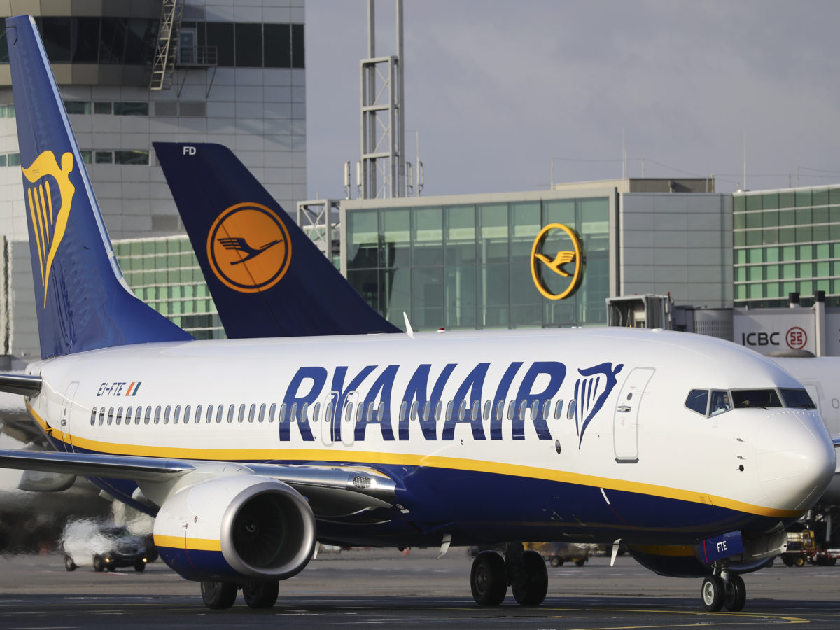 Channel 4 under pressure to reveal sources of Dispatches probe into Ryanair through Irish court