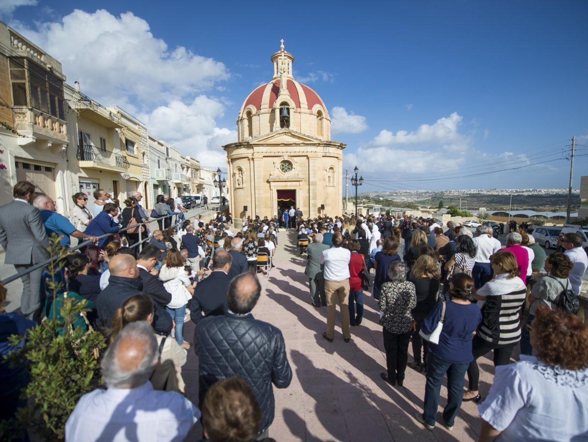 Family of reporter killed in car bombing appears at libel trial as Malta offers €1m reward for information on her death