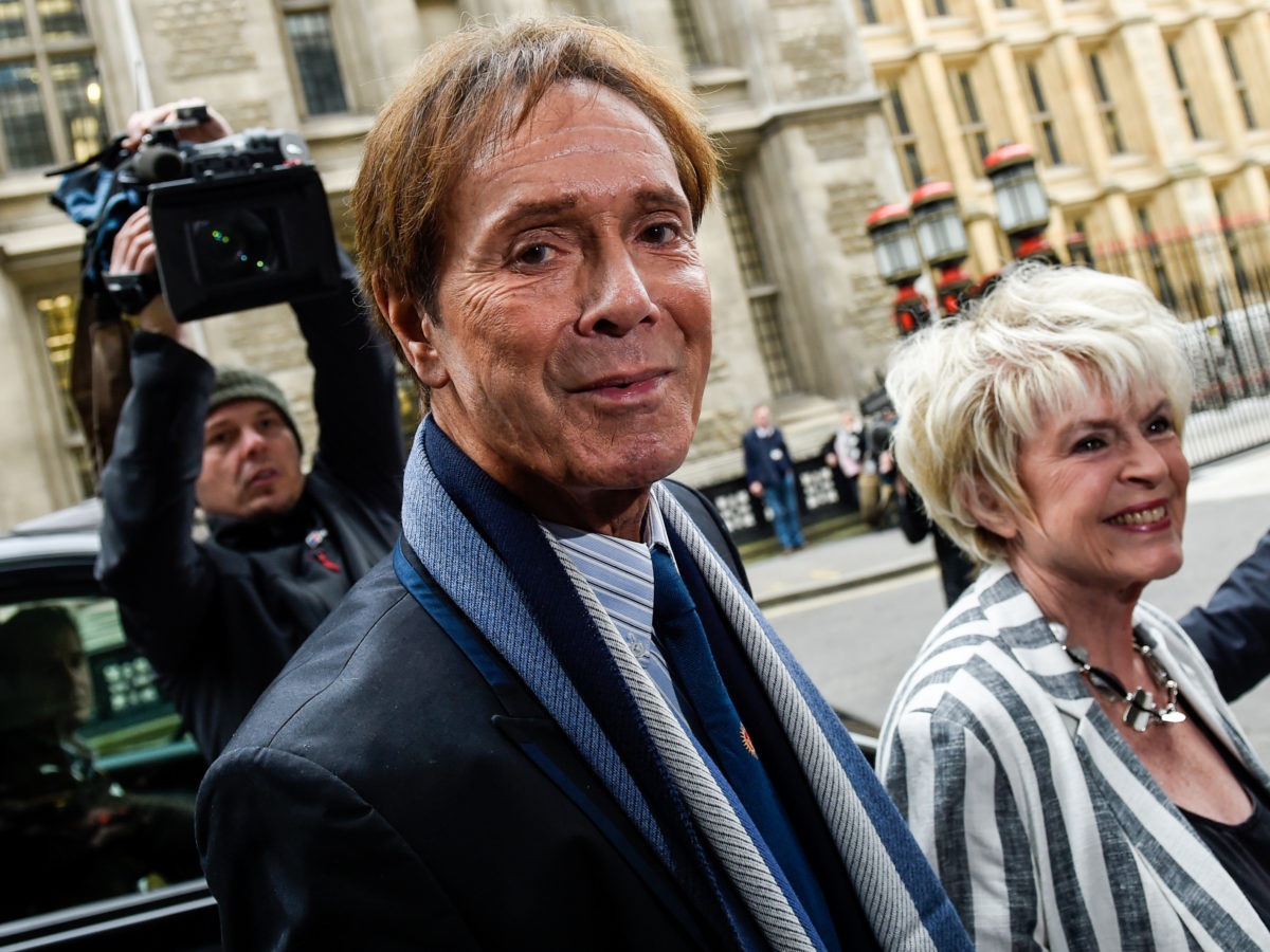 BBC reporter made deal with police not to report Cliff Richard sex abuse allegation before raid on singer's home