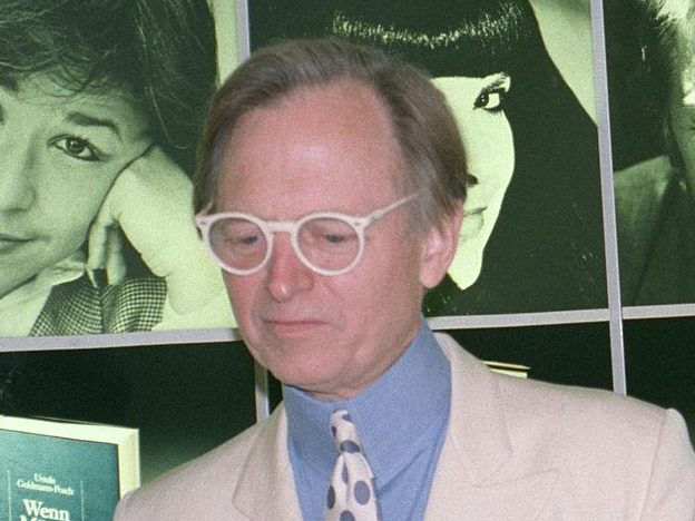Pioneer of 'new journalism' Tom Wolfe dies aged 88