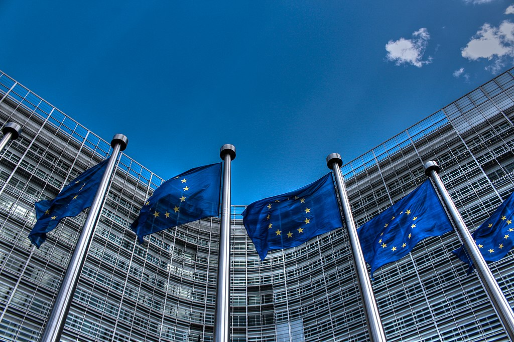 Politico and Financial Times seen as most influential media sources at European Parliament, new Comres poll finds