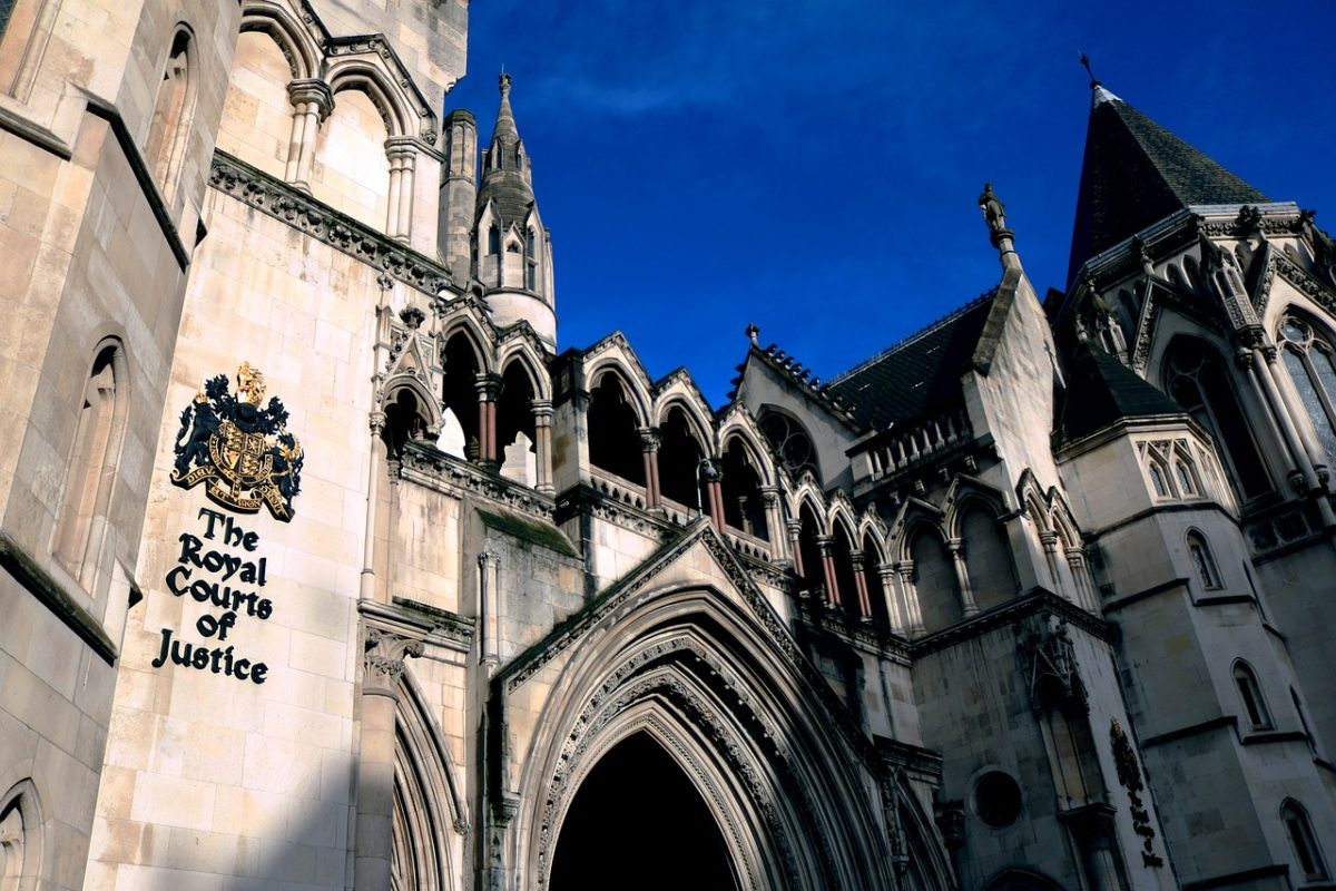 Phone hacking 'habitual and widespread' at Sun and NotW as early as 1994, court hears