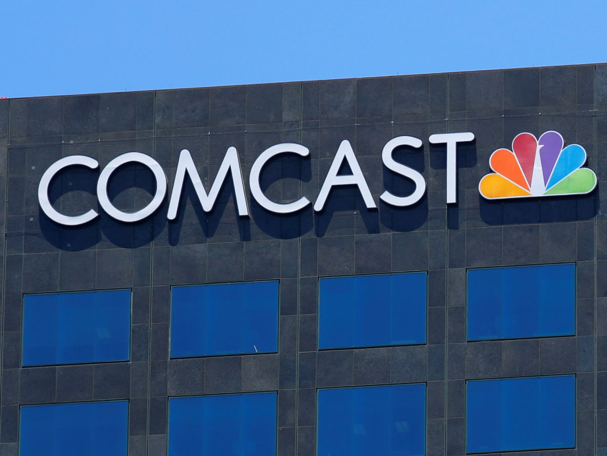 Comcast abandons pursuit of 21st Century Fox to focus on rival Sky bid