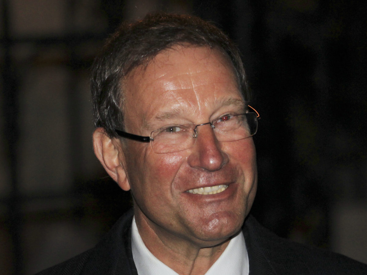 Richard Desmond leaves UK media market after 47 years with sale of Reach shares