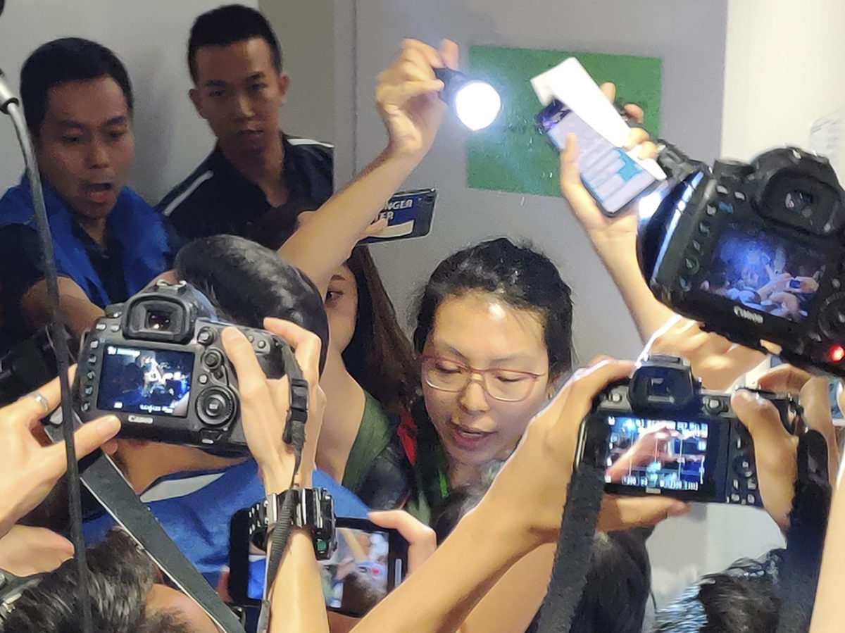 Hong Kong reporter protests police harassment of media covering civil unrest