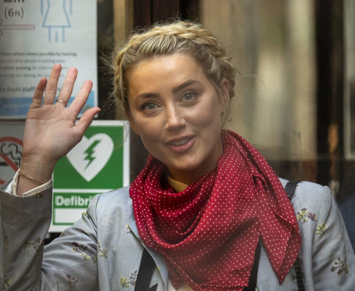 Johnny Depp v The Sun: 'I only acted in self-defence,' Amber Heard tells libel trial