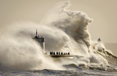 Experience and 'extremely long lens' helped PA photographer make front page splashes with wave pics