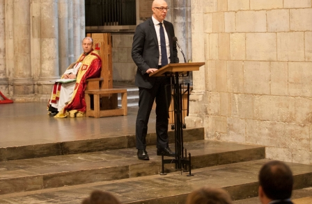 News UK donates £1,000 to local community group following cathedral carol service