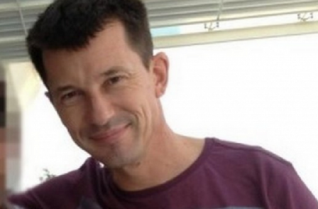 British journalist John Cantlie looks 'pale and emaciated' in latest Islamic State propaganda video