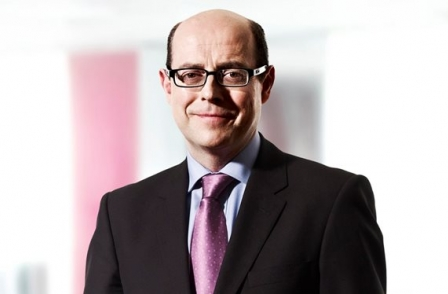 BBC political editor Nick Robinson says corporation should have begun immigration debate sooner