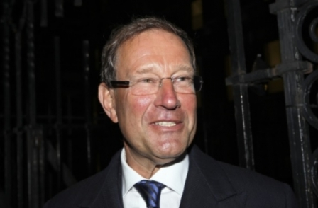 Trinity Mirror confirms it is in talks with Richard Desmond to buy Express Newspapers titles