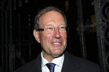 Express journalists angered over £334m profits for Richard Desmond as they suffer eight-year pay freeze