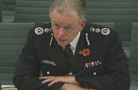 Met chief Hogan-Howe denies journalist phone records 'routinely' sought - and says he is open to judicial approval