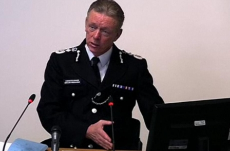 Met chief says police spied on Sun to find Plebgate sources because journalists were 'involved in committing a crime'