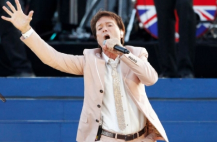 Police report says BBC coverage of Cliff Richard raid caused him 'unnecessary distress'