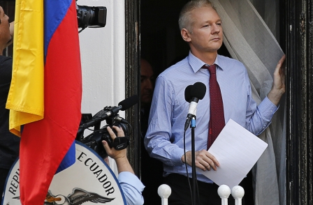 Wikileaks founder Julian Assange says UK press failed to follow-up Snowden because Guardian did not share files