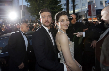 Heat agrees libel settlement with Timberlake and Biel after Irish legal action over 'flirty photos' story