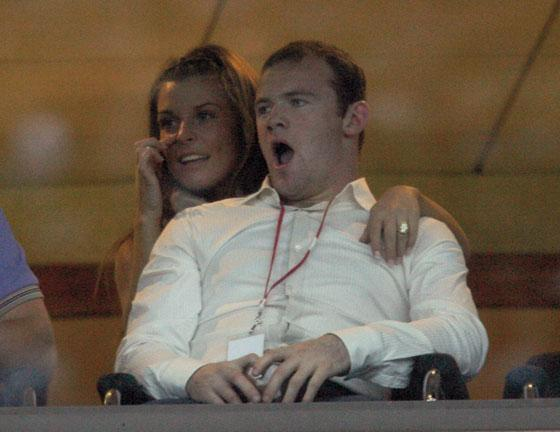 Wayne Rooney sues Sun over World Cup holiday story